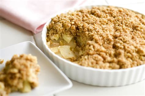 apple crumble how to make delicious apple crumble enkivillage