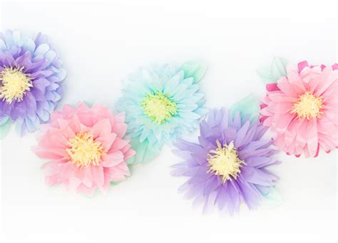 How To Make Flat Tissue Paper Flowers - how to make paper flowers arts to crafts