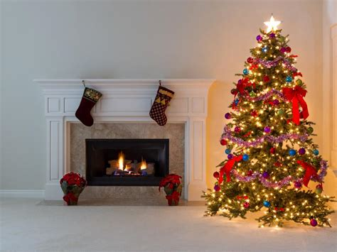 hgtv holiday home decorating 10 holiday decorating mistakes to avoid hgtv