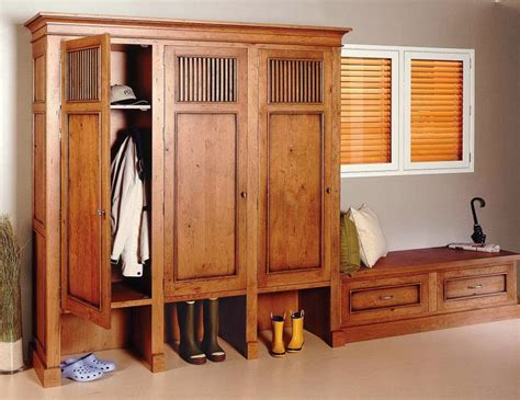 Mudroom Cabinets With Doors by Mudroom Cabinets With Doors Interesting Ideas For Home