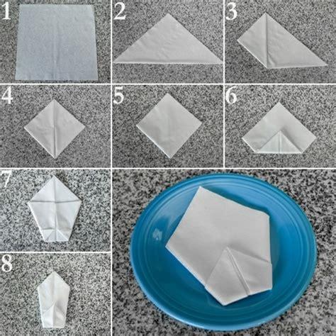 serviettenfalttechniken mit papierservietten papierservietten falten anleitung festliche tischedeko