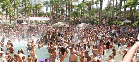 rock s rehab is one big sfgate the 5 best pool in las vegas travefy