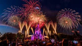 4th Of July Disneyparkslive To Live Fourth Of July Fireworks