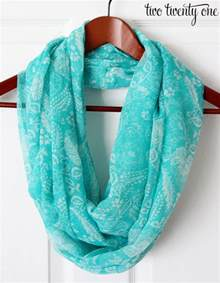 How Should An Infinity Scarf Be How To Turn A Regular Scarf Into An Infinity Scarf