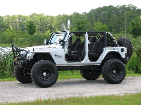 Jacked Up 4 Door Jeeps White Jk Wrangler Lifted Jeeps Beautiful