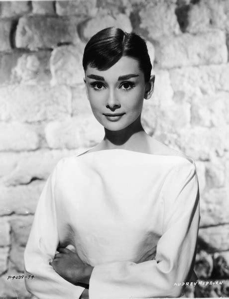 Hepburn Hairstyle by Pixie Haircut Hepburn
