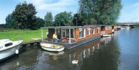 house boats uk lucky venture house boat sleeps 4 from 194 163 281 beccles suffolk