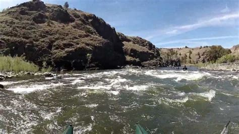 oregon fishing pontoon boats floating the john day river in eastern oregon with pontoon