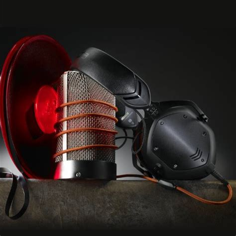 V Moda Remix Metal Class Coloured Earbuds For Ipods by V Moda Crossfade M 100 Ear Noise Isolating Metal