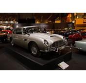 Aston Martin DB5  2017 Retromobile