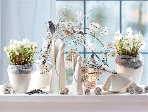 fensterbrett deko weihnachten winterliche ausblicke dekoideen f 252 r die fensterbank
