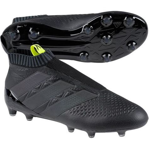 best nike soccer boots best 25 soccer shoes ideas on soccer cleats