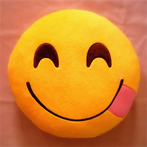 Bantal Emoticon 2 Emtc02 Bantal Sofamobil bantal emoticon emoji murah kedai