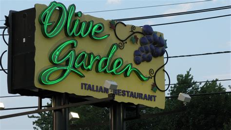 olive garden fargo marilyn hagerty s habitus cultural capital and the sociology of the olive garden the tangential