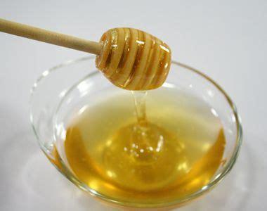 alimentazione 14 mesi svezzamento mai il miele ai neonati prima dei 12 mesi
