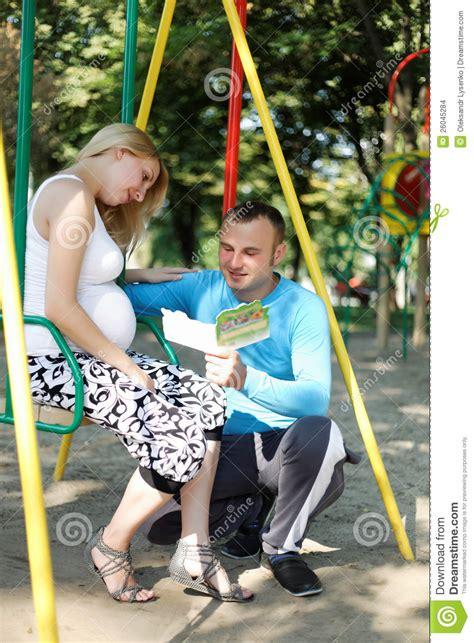 how i got my wife to swing mi marido est 225 leyendo a la esposa embarazada de los