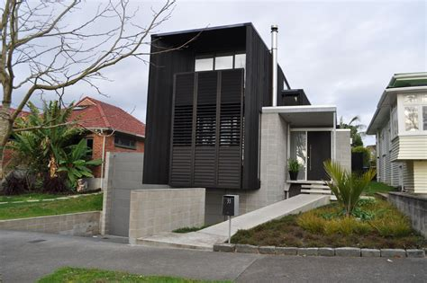 homes with garage underneath
