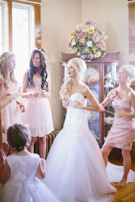 The No Drama Wedding: How To Choose A Maid of Honor