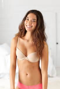 american eagle won t photoshop models but this isn t quot what girls really look like quot jew world