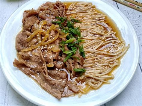 makan siang cobain enoki daging siram  mie ramen miso