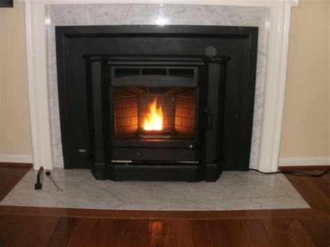 Fireplace Pellet Insert by Best 25 Pellet Fireplace Ideas On Pellets For