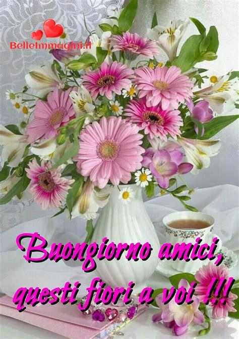 fiori e frasi frasi immagini di buongiorno per whatsapp