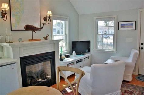288 square feet 288 sq ft tiny cottage for sale in chatham ma