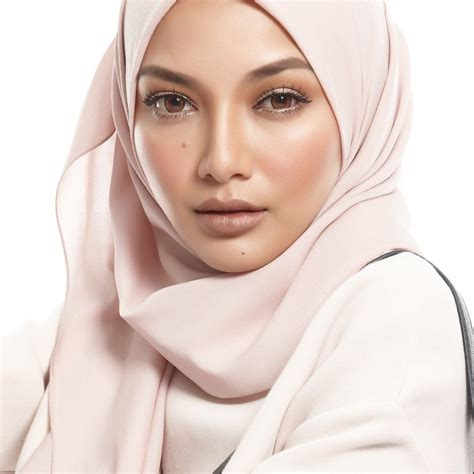 neelofa hijab congratulations neelofa for making it into the forbes 30