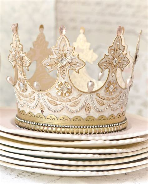 How To Make A Paper Crown Tiara - best 25 paper crowns ideas on