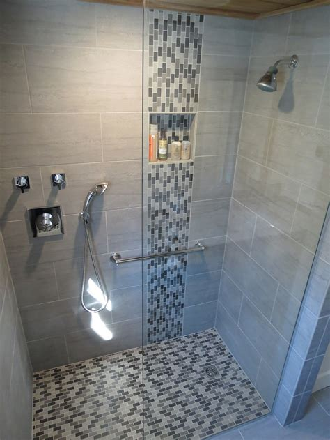 Tile Designs For Bathroom Walls by Stylish Vertical Tile In Shower Design Ideas