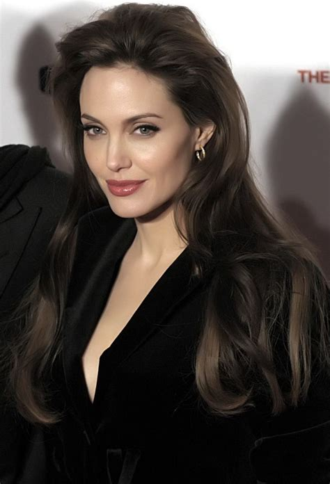 angelina jolie angelina jolie hair color hair colar and cut style