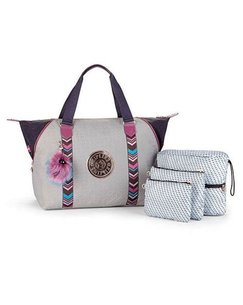 Fergie Continues To Show Kipling Bags by Kipling M Tote Bag J D Williams
