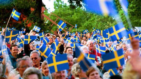 lade svedesi nationaldagen d 228 rf 246 r firar vi i sverige leva bo