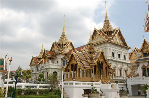 thai palace bangkok s grand palace thailandholiday