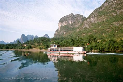 boat trip yangshuo to guilin pictures of china yangshuo 0010 the boat trip from guilin