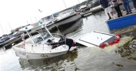 police boat fails o p p boat launch fail lol fun stuff pinterest