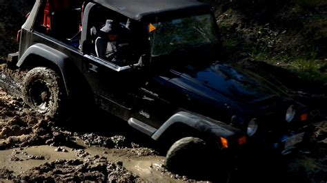 jeep mudding gone wrong 100 jeep mudding gone wrong but i like fast cars