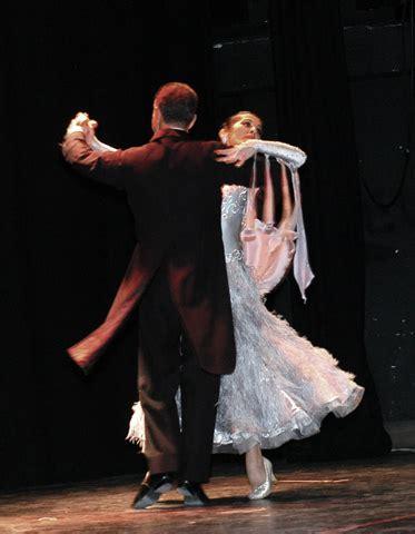 clases baile salon bailes de sal 243 n luc 237 a guarnido