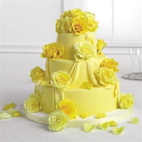 Wedding Cake Yellow Roses by Wedding Cakes Pictures Yellow Wedding Cakes Pictures