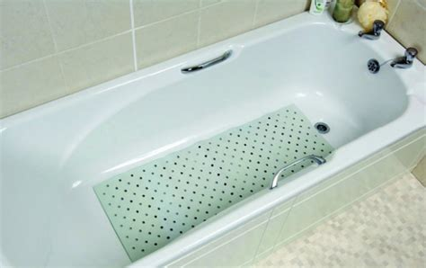 how to clean bathtub how to clean rubber mats bathtub