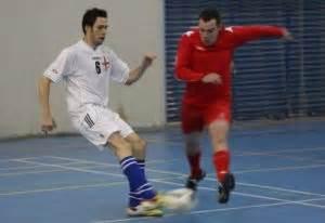 Sepatu Futsal Specs Beserta Gambarnya 7 teknik futsal dasar beserta gambarnya olahragapedia