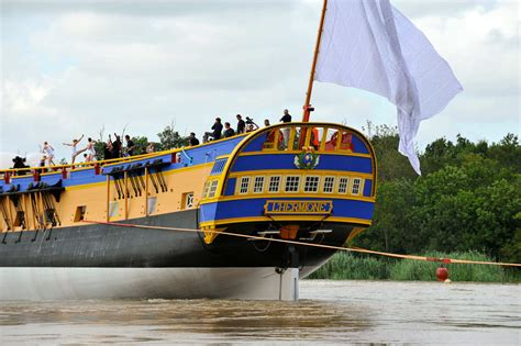 hermione bateau rochefort lancement de la fr 233 gate hermione 224 rochefort mer et marine
