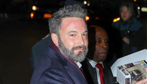 what does salt pepper hair look like ben affleck is embracing his gray hair see his salt