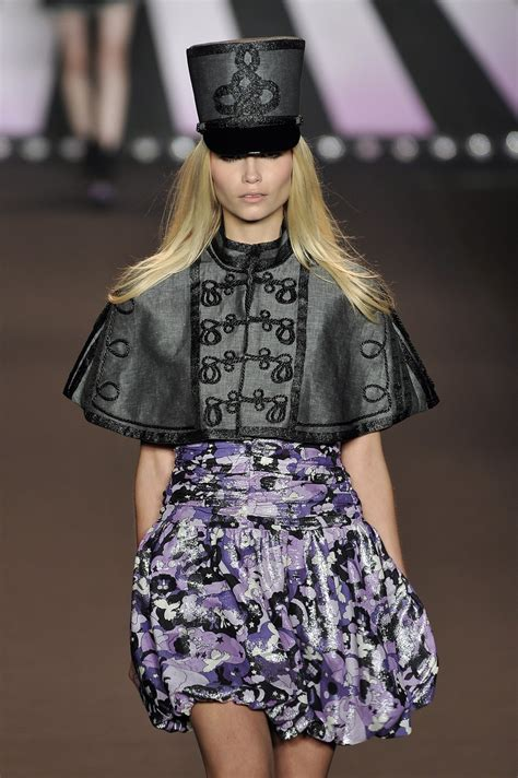 New Week A New Sui Dresss by Sui 2010 Runway Pictures Livingly