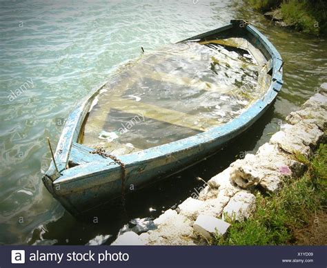 sinking river boat boat sinking stock photos boat sinking stock images alamy