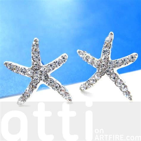 large starfish shaped stud earrings in silver with