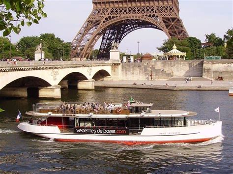 boat cruise seine cruising the seine river in paris how to choose the best