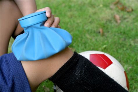 first aid: many youth coaches lack training | momsteam