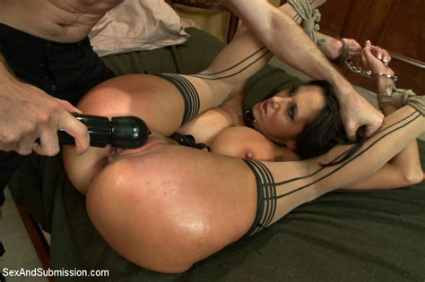 Gorgeous Milf In Intense Domination And bondage Rough sex Pichunter
