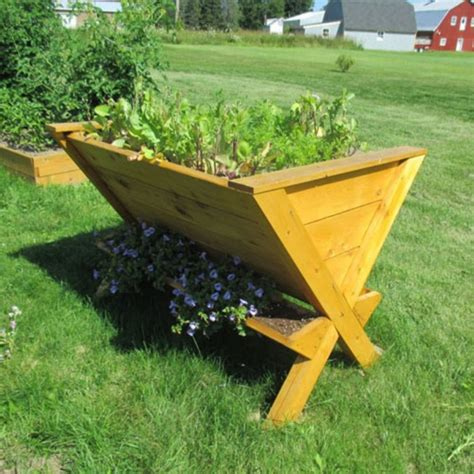 Planter Tables Outdoor by Infinite Cedar The Wedge Table Raised Planter Multicolor